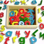 Fichas educativas imprimibles sobre números y letras para niños