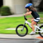 Consejos para enseñarle a los niños a andar en bicicleta