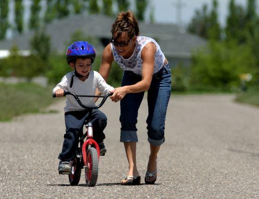Enseñar A Los Chicos A Andar En Bici: Cómo Enseñarle A Los Niños A Andar En BICICLETA