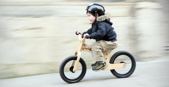 Mi Primera Bicicleta Chicco Su Primera Bicicleta: Cómo Enseñarle A Los Niños A Andar En BICICLETA